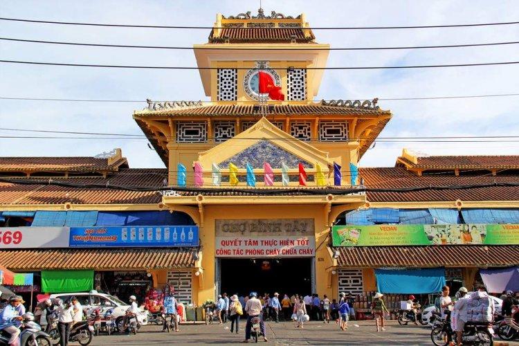 سوق بينه تاي في مدينة هو تشي منه