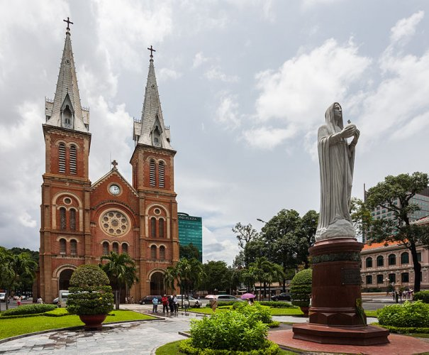 كاتدرائية سايغون نوتردام في مدينة هو تشي منه