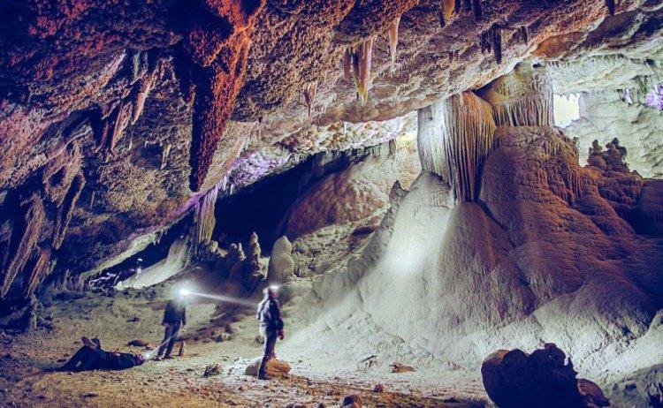 محمية وادي سنور الكهف الأهم في العالم لندرة تكويناته الصخرية
