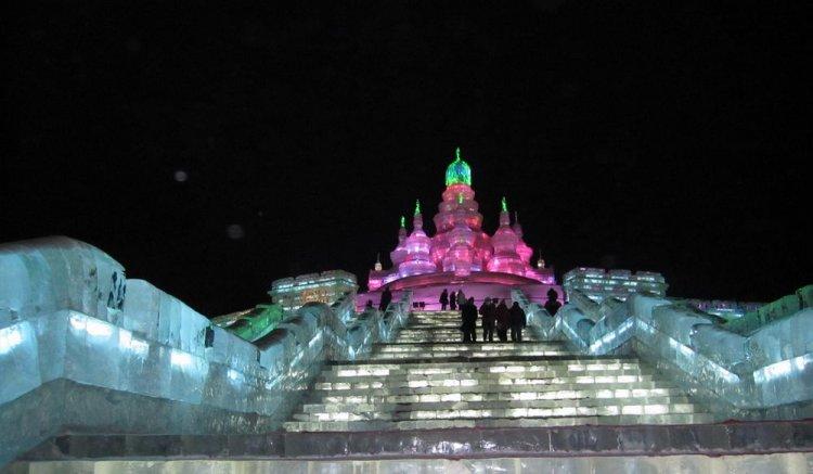 معرض منحوتات الثلج في روسيا