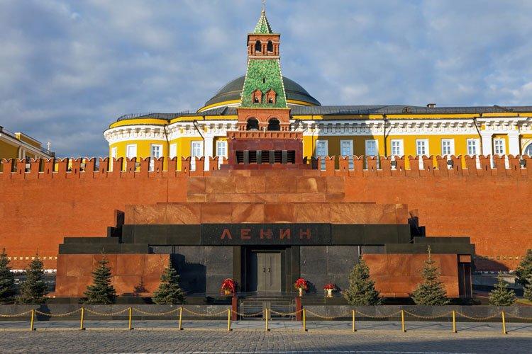 ضريح لينين في موسكو - روسيا