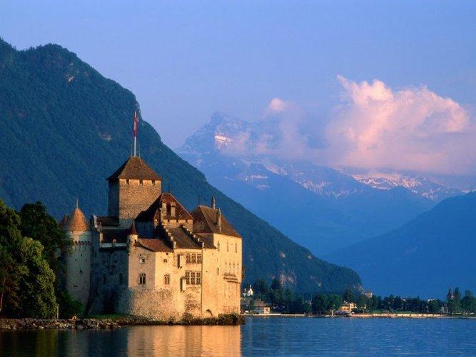 مونترو عاصمة الريفيرا السويسرية