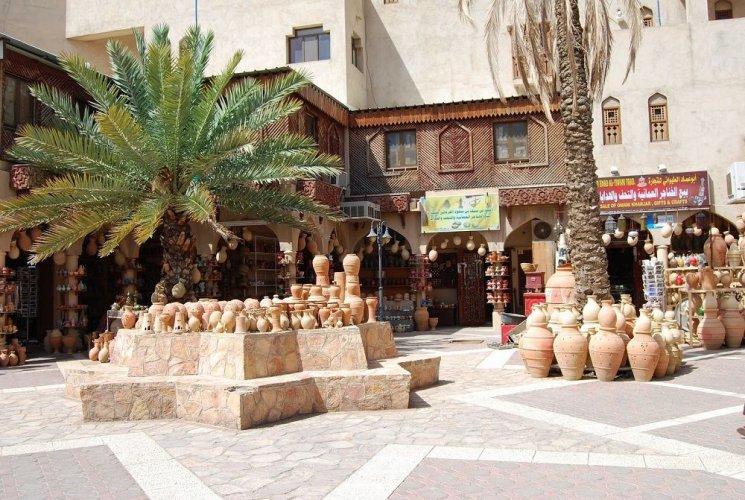 سوق نزوى التقليدي في سلطنة عمان