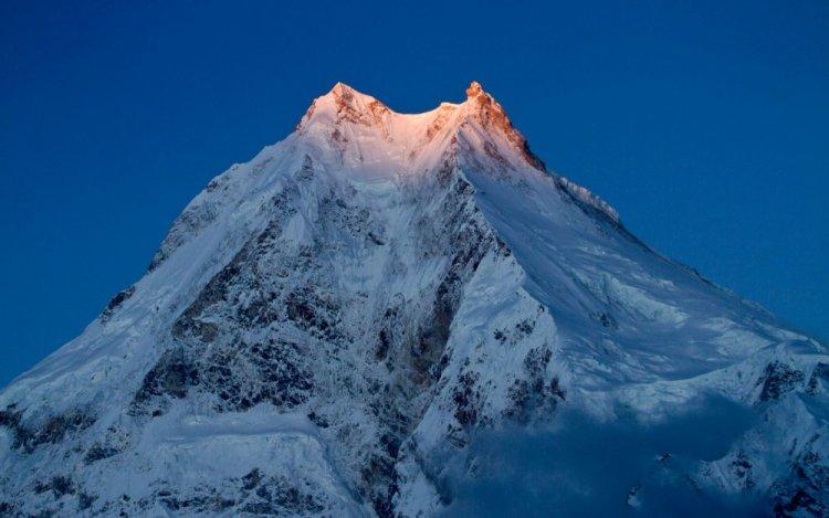 جبل ماناسلو في نيبال