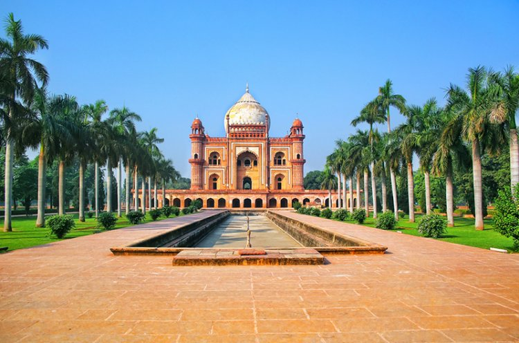 السفر إلى مدينة نيودلهي بالهند