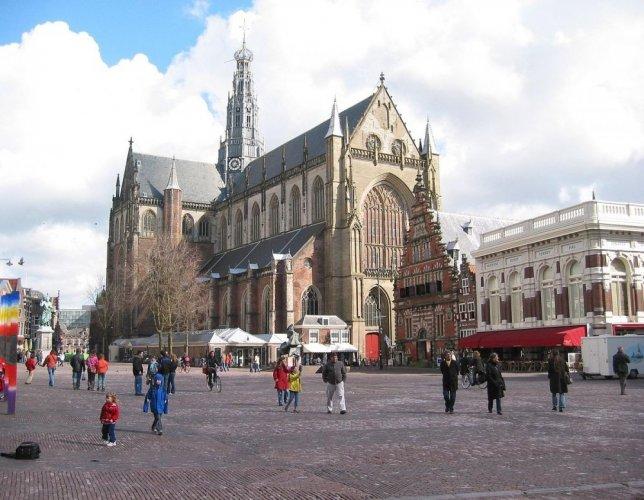 روعة مباني مدينة هارلم في هولندا