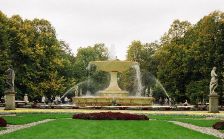 الحديقة السكسونية في وارسو - بولندا