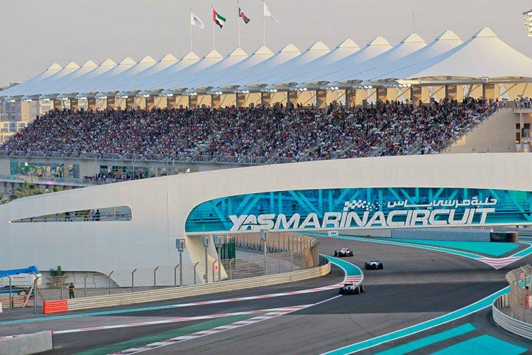 حلبة مرسى ياس فورمولا مضمار سباق السيارات