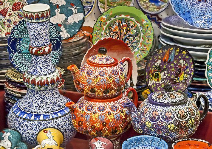 البازار الكبير أو السوق المسقوف في اسطنبول