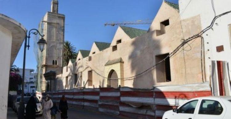 جامع ولد الحمرا او الحمراء يوجد بالمدينة القديمة