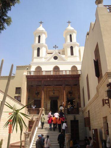 الكنيسة المعلقة في القاهرة - مصر