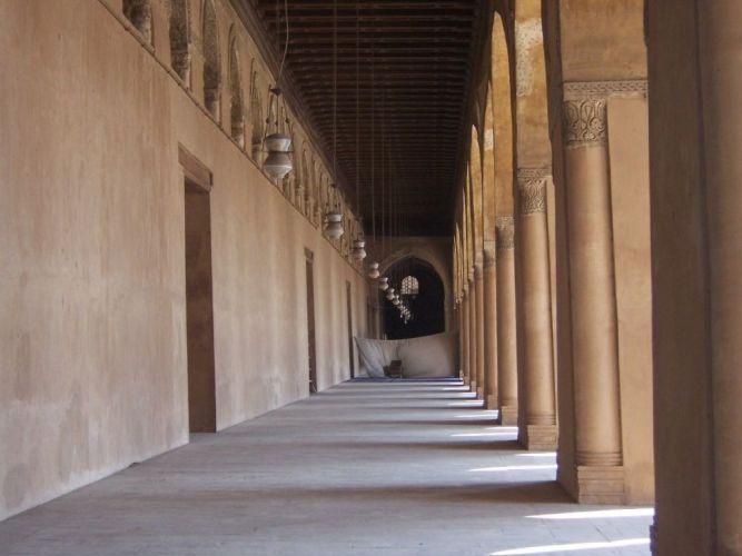 مدخل جامع أحمد بن طولون في القاهرة