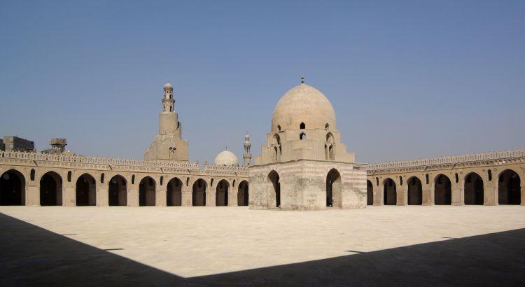 مسجد أحمد بن طولون في القاهرة - مصر