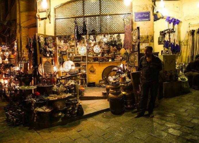 اماكن لبيع التحف بشارع المعز