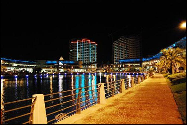 جزر أمواج في المحرق - البحرين