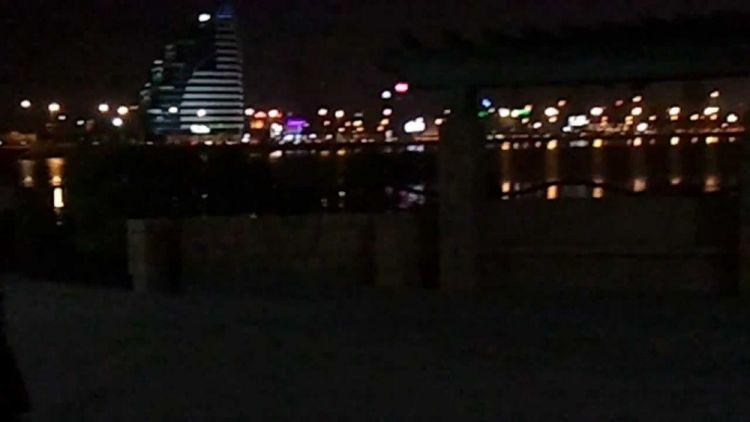 كورنيش الغوص في البحرين بالليل
