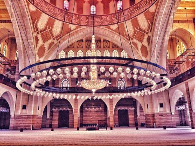 مركز احمد الفاتح الاسلامي من الداخل