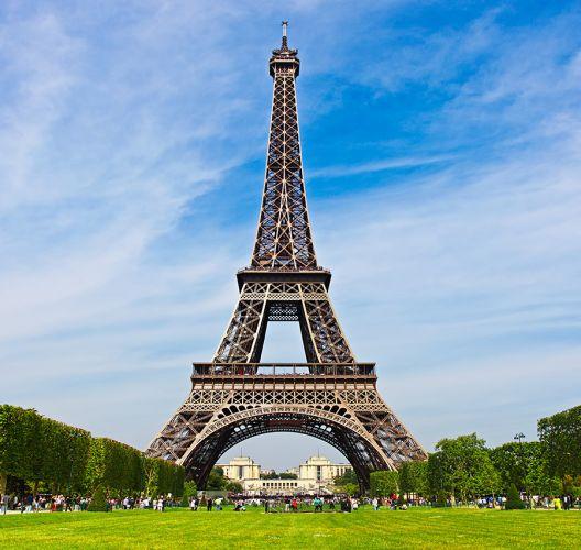 برج ايفل في باريس - فرنسا