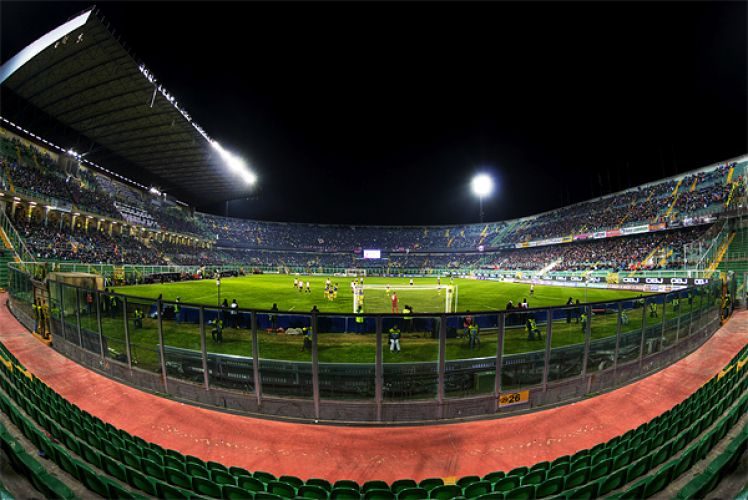 ملعب رينزو باربيرا في باليرمو