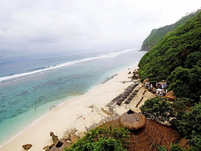 شاطئ جيمباران في بالي - إندونيسيا