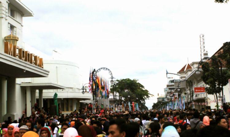 سوق سارينا في باندونق - إندونيسيا