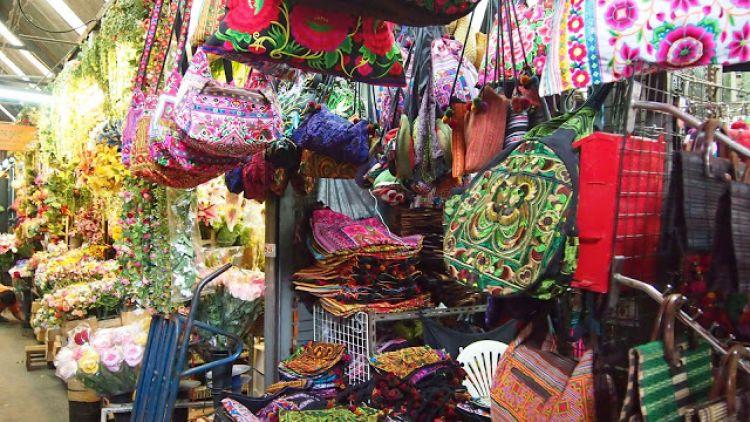 سوق تشاتو تشاك بانكوك Chatuchak Market in Bangkok