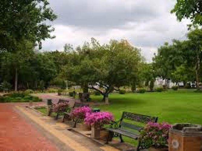 Santichaiprakarn Park