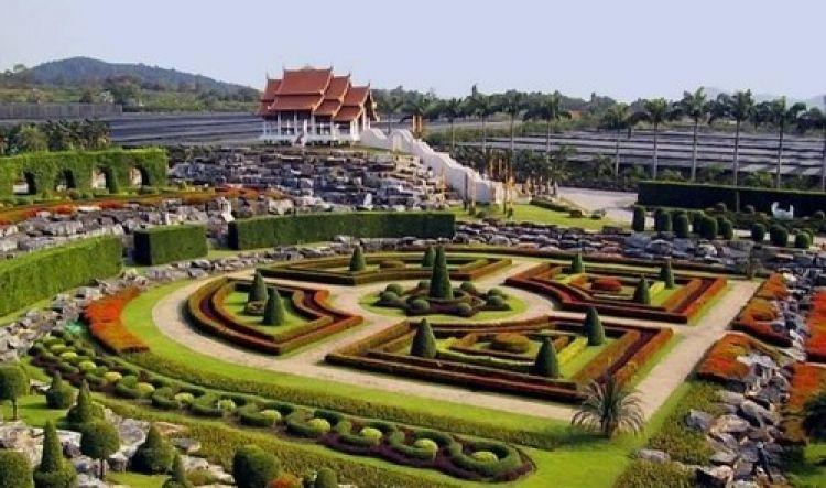الحديقة الاستوائية في بتايا - تايلاند