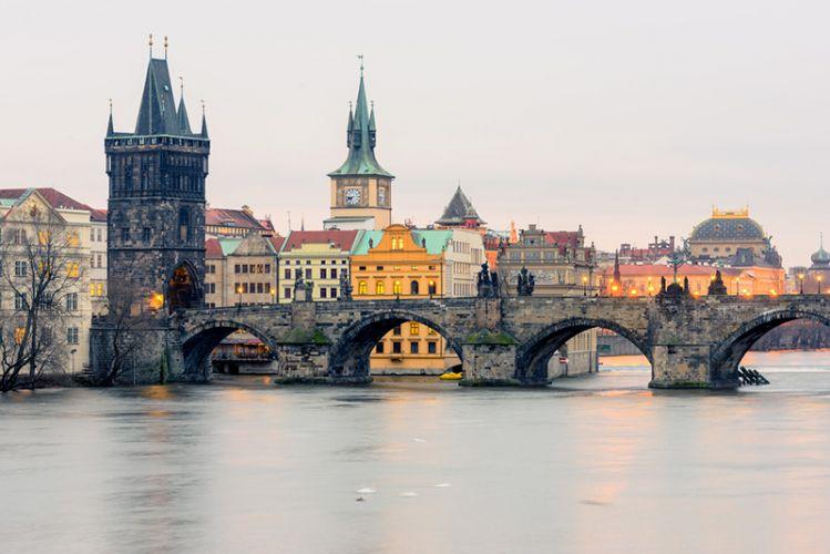 جسر تشارلز في براغ