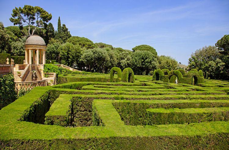 حديقة غويل في برشلونة