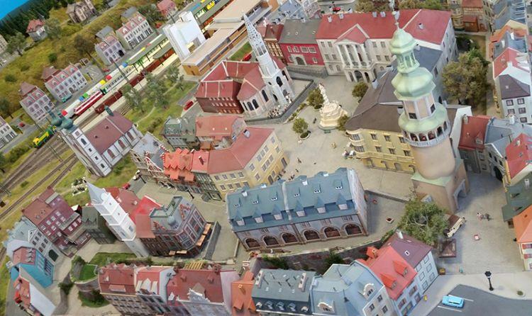 مينيفارسوم - Miniversum في بودابست