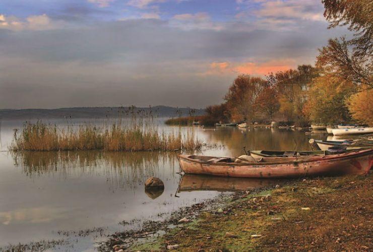 بحيرة الوبات بحيرة ضحلة ذات مياه عذبة