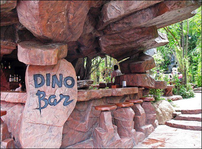 حديقة دينو في بوكيت
