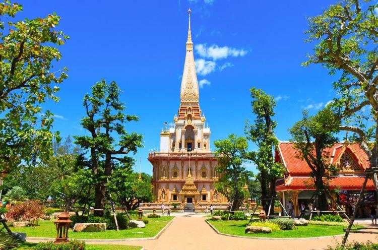 معبد وات تشالونج في بوكيت