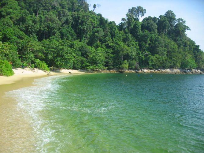 مدينة لوموت الساحلية في جزيرة بانكور