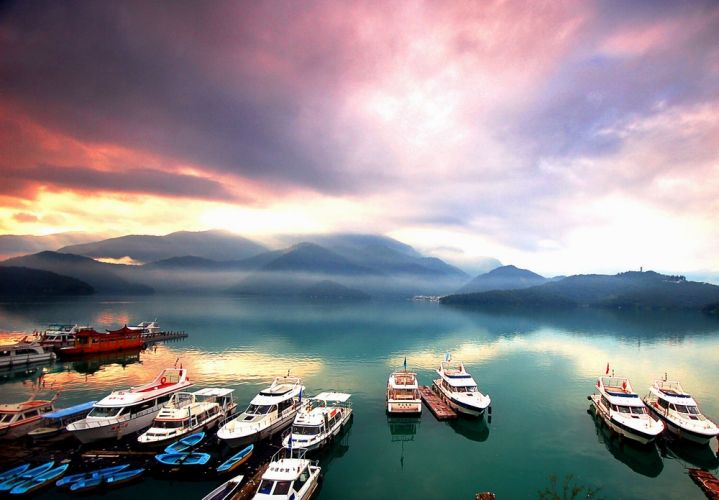 بحيرة الشمس و القمر في تايوان