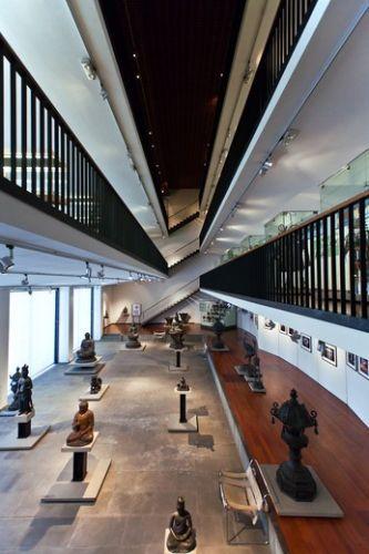 متحف الفنون الشرقية من الداخل في جنوة - إيطاليا