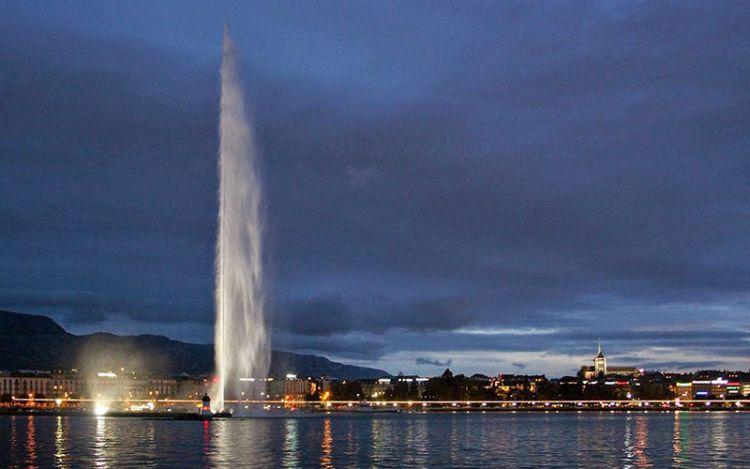 نافورة جنيف في سويسرا