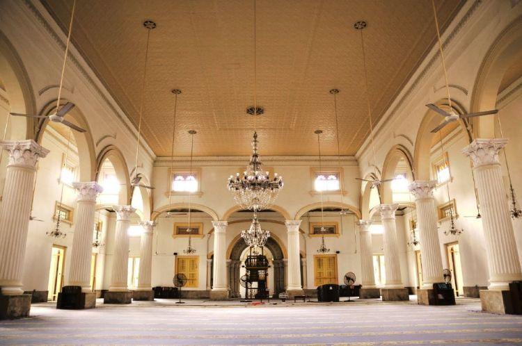 مسجد السلطان أبي بكر من الداخل