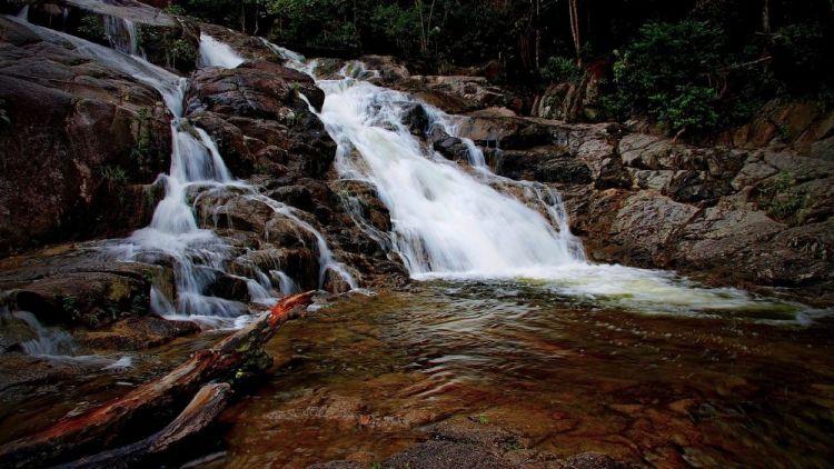 شلالات في ولاية جوهور ماليزيا