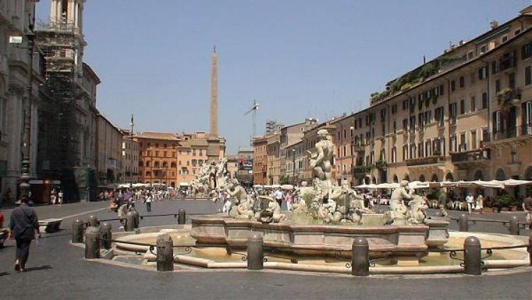 ميدان بياتسا نافونا في روما - ايطاليا
