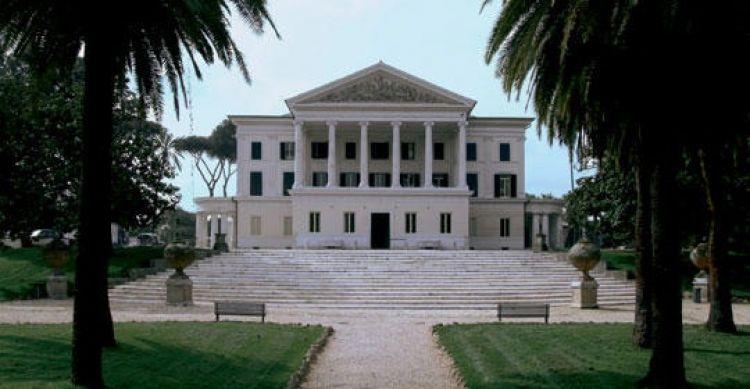 متحف فيلا تورلونيا في روما - إيطاليا
