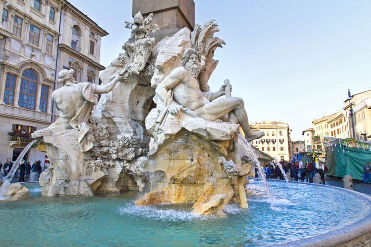نافورة الأنهار الاربعة في روما - ايطاليا