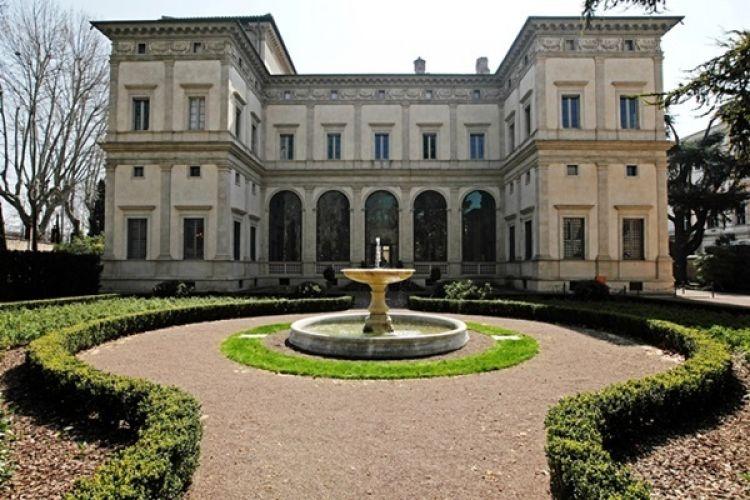 فيلا فارنيسينا في روما - إيطاليا