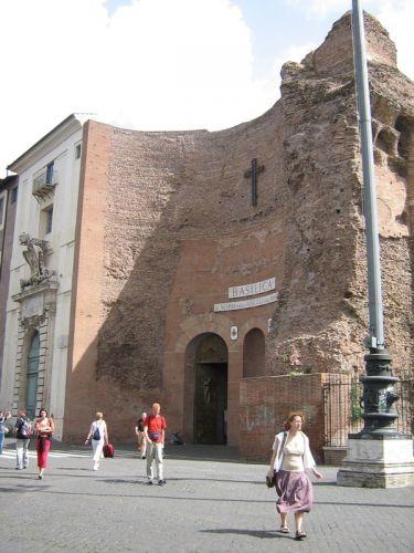 كنيسة سانت ماري للملائكة والشهداء في روما - ايطاليا
