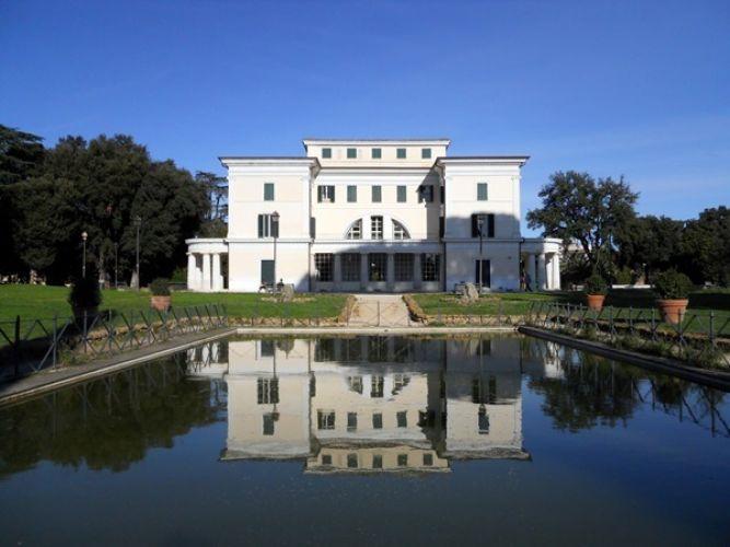 فيلا تورلونيا في روما - إيطاليا