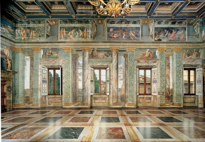 فيلا فارنيسينا من الداخل في روما