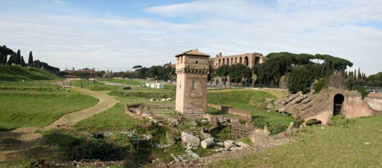 سيرك ماكسيموس في رما - ايطاليا