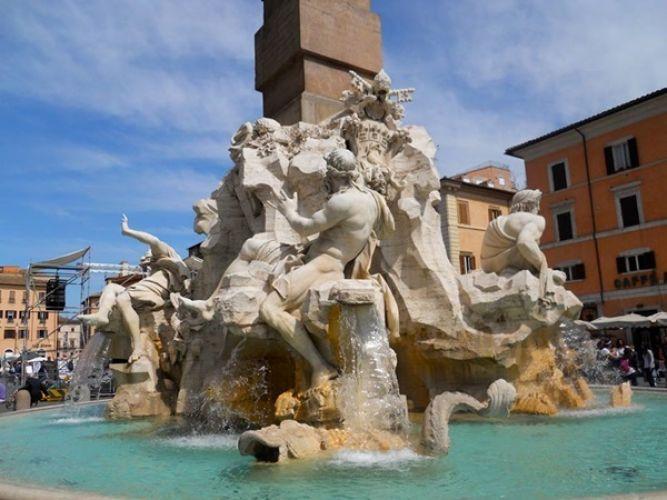 نافورة الانهار الاربعة في روما - ايطاليا