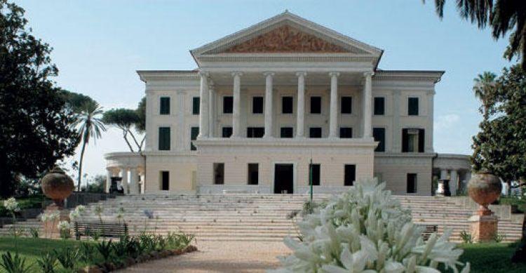 فيلا تورلونيا في روما